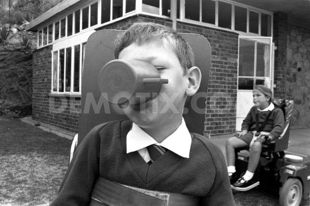1452239362-louis-a-young-boy-with-spinal-muscular-atrophy_9406116