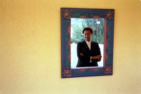 ipjr08232833 wendy luhabe framed in johannesburg south africa ©John Robinson/South Photographs africa afrika afrique african people third world life portrait portray feature